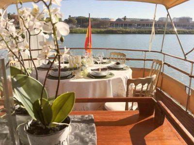 luxury-yacht-lunch-dinner-seville-37